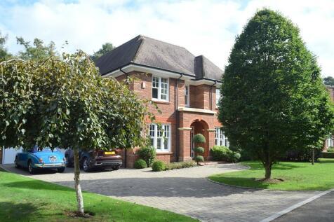 Fox Wood, Walton-On-Thames, KT12. 4 bedroom detached house for sale