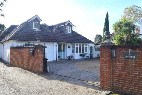 Hersham, Walton-On-Thames, KT12. 5 bedroom detached house for sale