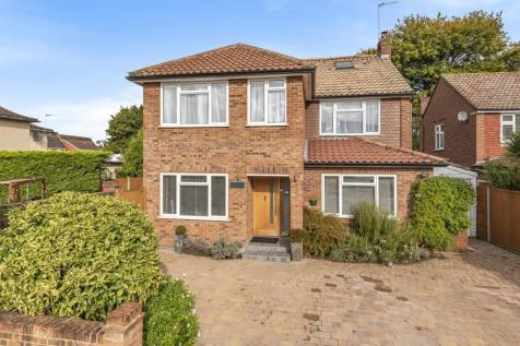 Clarence Close, Walton-On-Thames, KT12. 5 bedroom detached house for sale