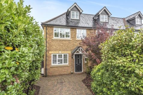 Molesey Road, Hersham, Walton-On-Thames, KT12. 4 bedroom town house for sale