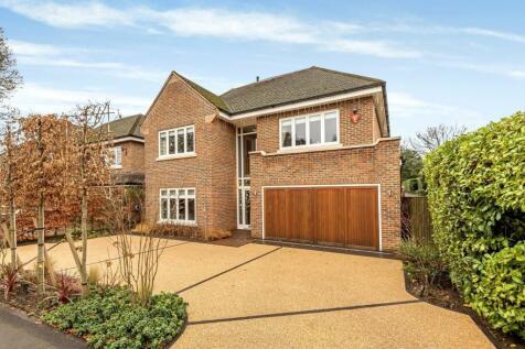 Oatlands Close, Weybridge, KT13. 5 bedroom detached house for sale