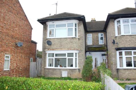 Princes Street, Peterborough. 3 bedroom semi-detached house