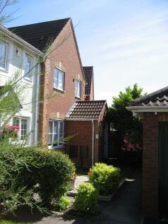 Gibson Road, Ledbury, Herefordshire, HR8. 3 bedroom end of terrace house