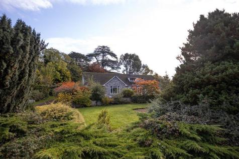 The Cedars, Horse Lane Orchard, Ledbury, Herefordshire, HR8. 5 bedroom detached house for sale