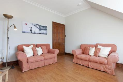 Balmoral Place, Holburn, Aberdeen, AB10. 2 bedroom flat for sale