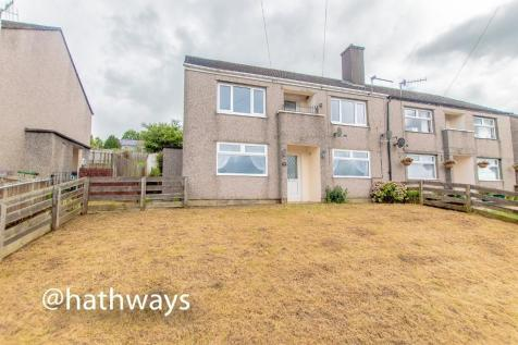 Upland Drive, Pontypool, Monmouthshire, Torfaen, NP4. 2 bedroom flat