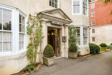 Kensington Park Road, London, W11. 1 bedroom apartment