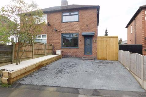 The Quadrant, Offerton, Stockport. 2 bedroom semi-detached house for sale