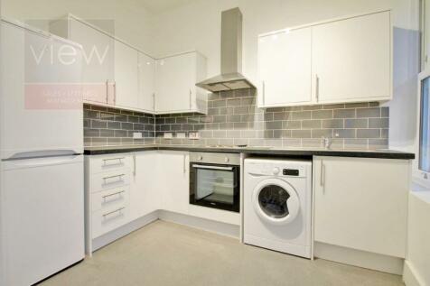Alma Grove, London, SE1. 3 bedroom apartment
