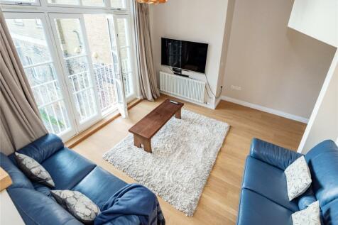 Narrow Street, London, E14. 4 bedroom terraced house