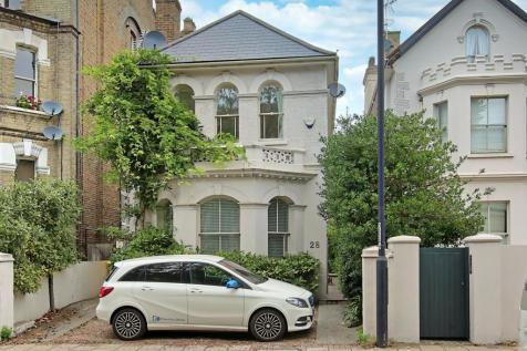 Wandsworth Common North Side, London, SW18. 4 bedroom detached house
