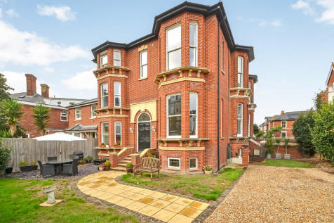 Southsea, Hampshire. 4 bedroom semi-detached house