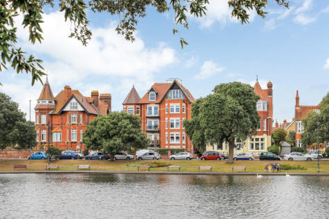 Southsea, Hampshire. 4 bedroom apartment for sale