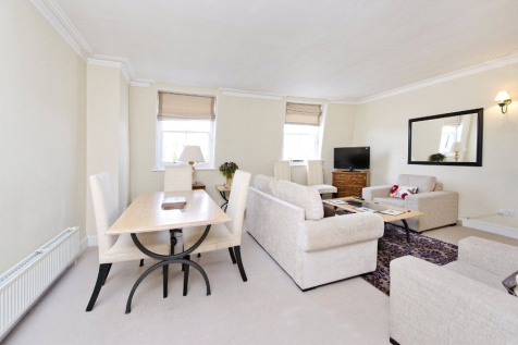 Onslow Square, South Kensington, London, SW7. 2 bedroom flat