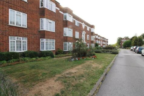 Finchley Court, Ballards Lane, Finchley. Studio flat
