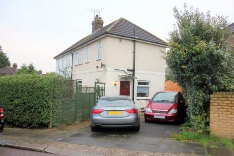 Riverside, Hendon, London, NW4. 2 bedroom semi-detached house