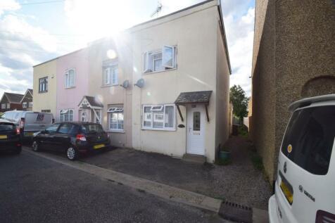 Station Road, Rainham, Gillingham, ME8. 2 bedroom end of terrace house