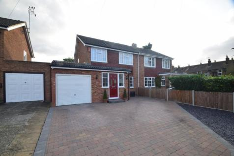 Tilbury Road, Rainham, Gillingham, ME8. 3 bedroom semi-detached house