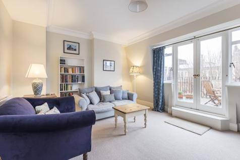 Sloane Court East, Chelsea, SW3. 1 bedroom flat