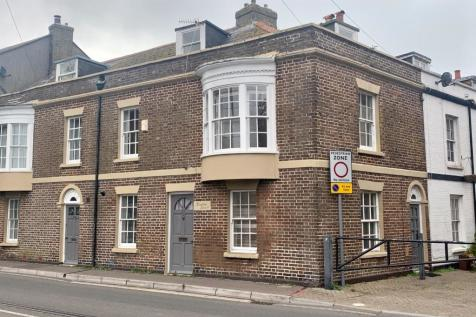 Stones Throw From Inner Harbour, No Chain. 4 bedroom terraced house