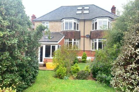 Substantial Detached House, Wyke. 4 bedroom detached house for sale
