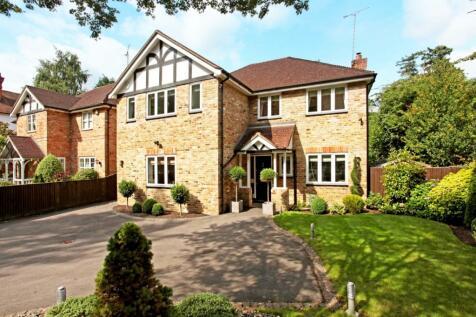 London Road Sunningdale SL5. 4 bedroom detached house