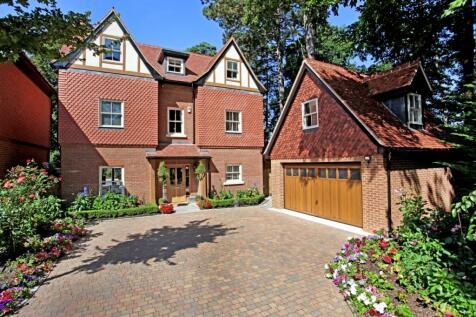 Queensbury Gardens Ascot SL5. 5 bedroom detached house