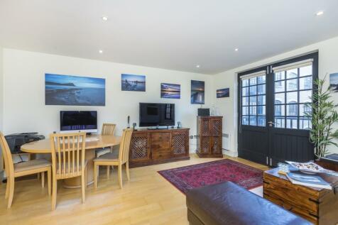 Cayenne Court London SE1. 2 bedroom flat