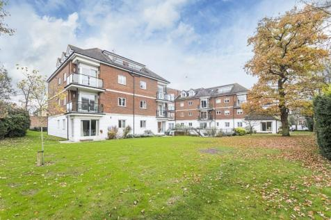 The Downs London SW20. 2 bedroom apartment