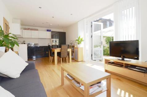 Church Path London W4. 2 bedroom apartment