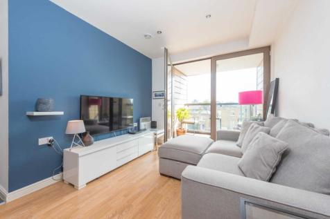 Oak Square, Stockwell SW9. 2 bedroom flat