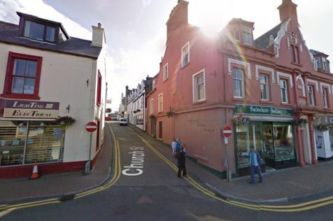 5 and 5A, Church Street, Stornoway, Isle of Lewis, HS12DH. 4 bedroom flat for sale