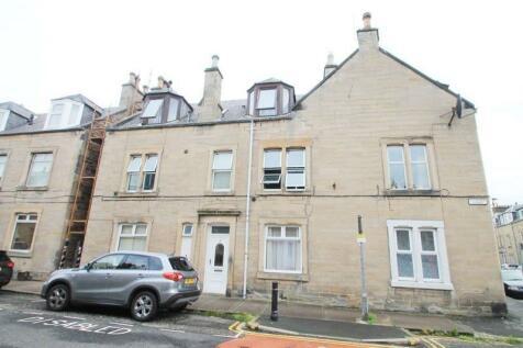 3, St Andrews Street, Galashiels, TD11EA. 4 bedroom flat for sale