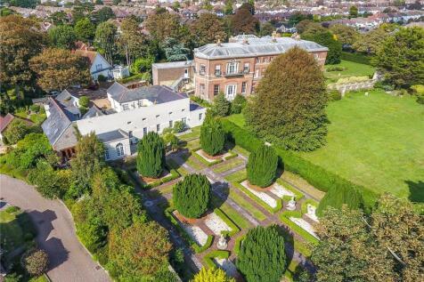 Warnham Mews, Warnham Road, Goring-by-Sea, Worthing, BN12. 5 bedroom house for sale