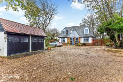 Navarino Road, Worthing, West Sussex, BN11. 4 bedroom detached house for sale