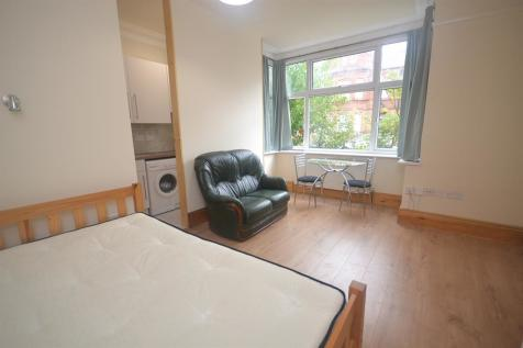 Denmark Road, Reading, RG1 5PA. Studio flat