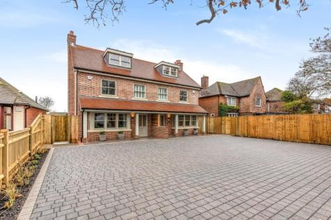 Broyle Road, Chichester, PO19. 4 bedroom semi-detached house for sale