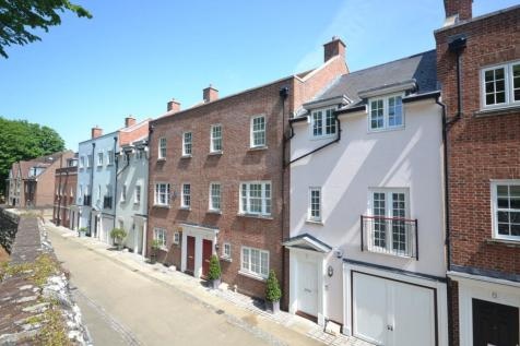 Lower Walls Walk, Chichester, PO19. 4 bedroom terraced house