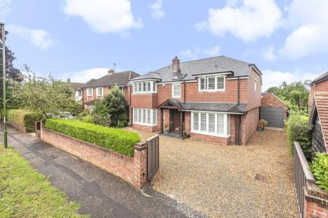 Sherborne Road, Chichester, PO19. 4 bedroom detached house