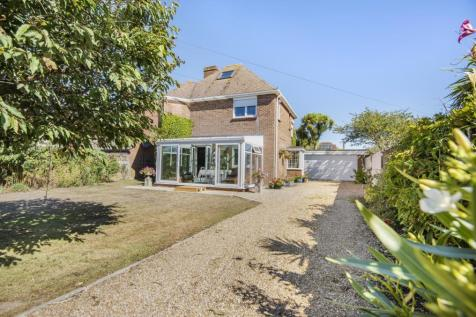 Sea Front, Hayling Island, PO11. 4 bedroom detached house for sale