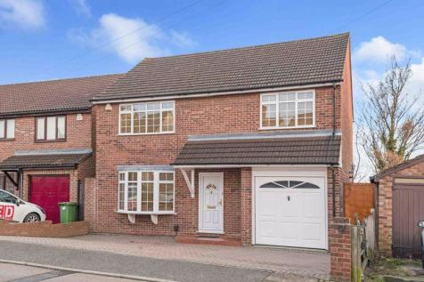 Iron Mill Place, Crayford. 3 bedroom detached house