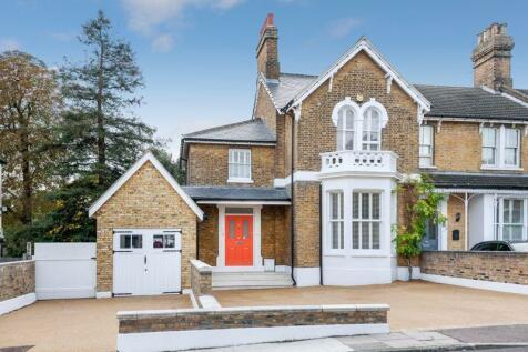 Lion Road, Bexleyheath. 4 bedroom semi-detached house for sale