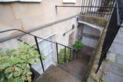 Russell Street, Bath. 2 bedroom apartment