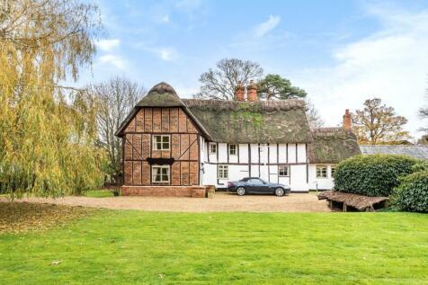 Crawley Park, Husborne Crawley, Bedfordshire, MK43. 4 bedroom detached house for sale