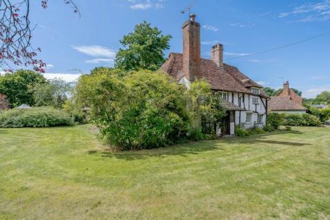 Glaziers Lane, Normandy, Guildford, Surrey. 3 bedroom detached house for sale