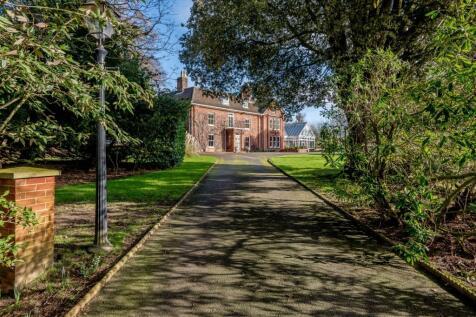 Abbotts Hall, Drabblegate, Aylsham, Norfolk. 6 bedroom detached house for sale