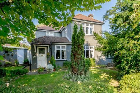 Gurney Court Road, St. Albans, Hertfordshire. 3 bedroom detached house for sale