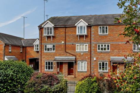 De Tany Court, St. Albans, Hertfordshire. 1 bedroom terraced house for sale