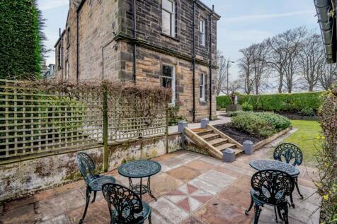 Inverleith Place, Edinburgh. 4 bedroom detached house for sale