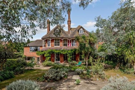 High Street, Dunwich, Saxmundham, Suffolk. 7 bedroom detached house for sale